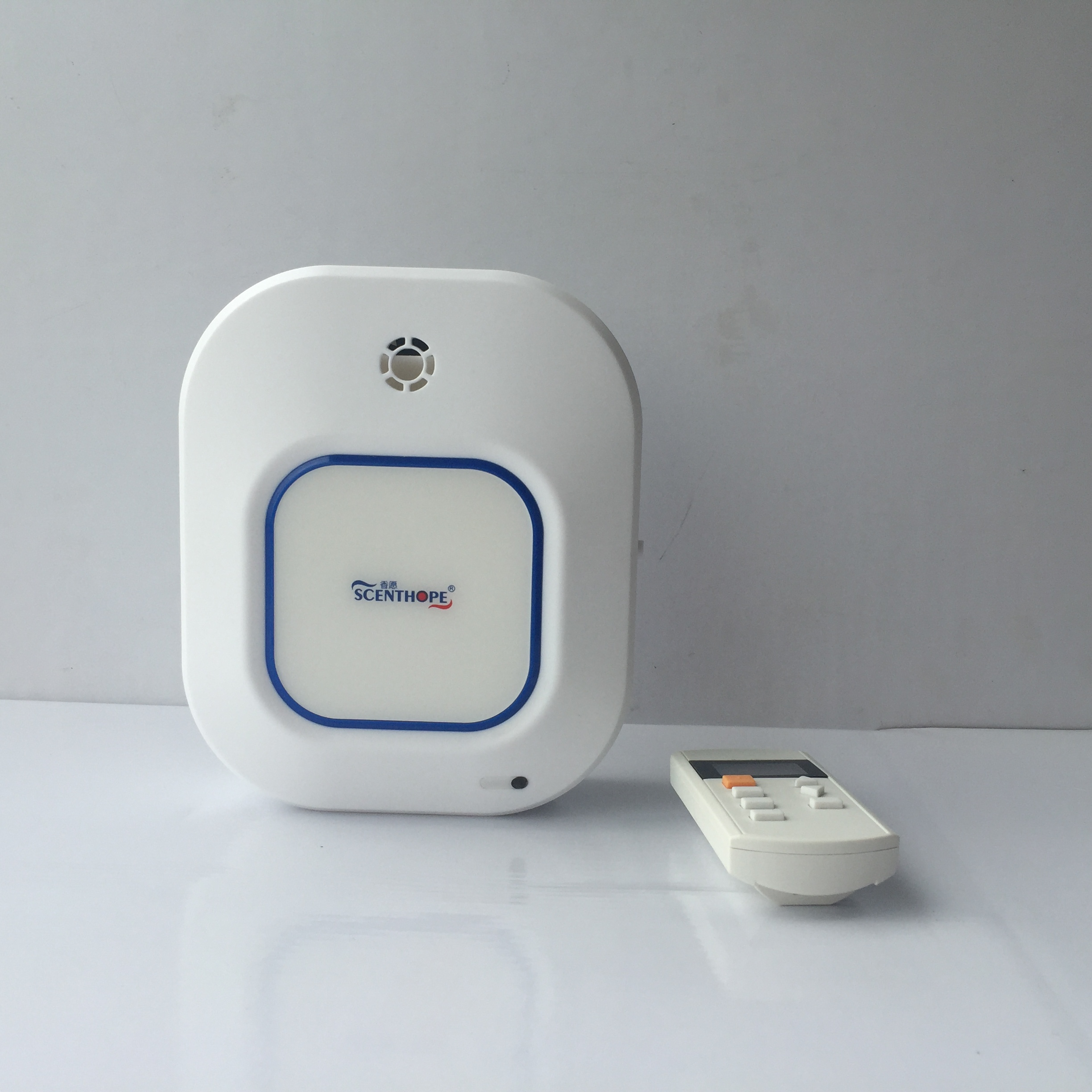 Hotel Room Aromatherapy Diffuser Machine Battery Operating Aroma Diffuser Remote Control Aroma Duffusion System